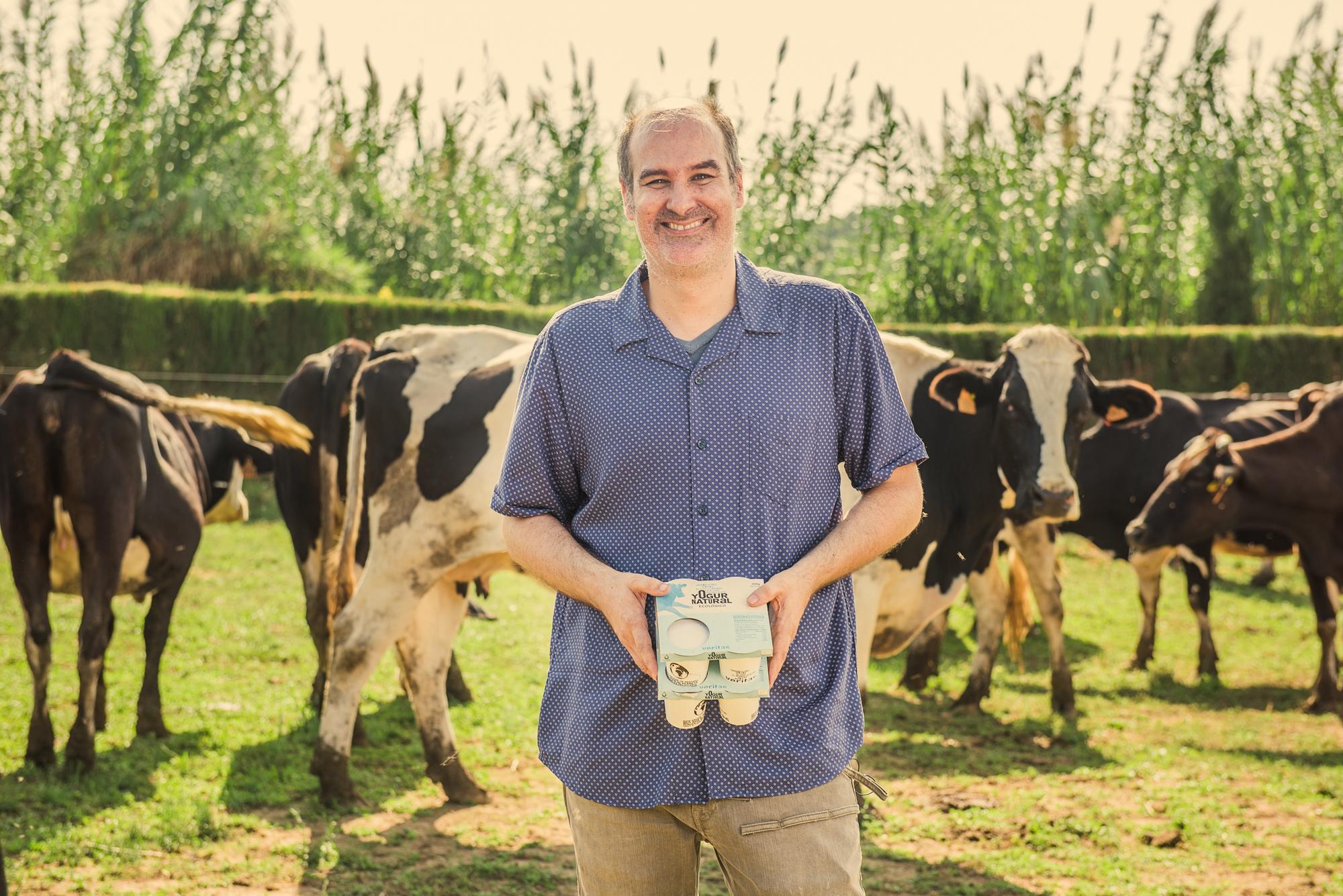 Yogures ecológicos elaborados con leche fresca de Cardedeu - Productos con corazón - Veritas