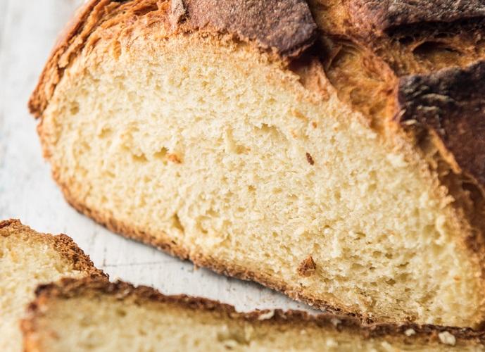 Pa de blat de moro ecològic elaborat artesanalment al nostre obrador - Veritas