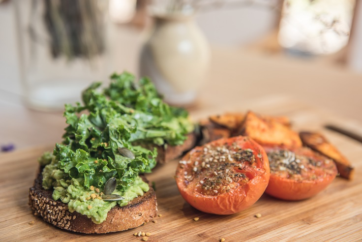 Boniato con kale y aguacate - Veritas