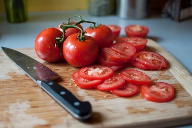 El tomate... ¡Bien rojo! - Veritas