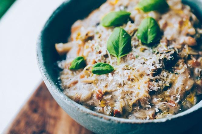 Risones funghi amb poma i tomàquets secs - Receptes - Veritas